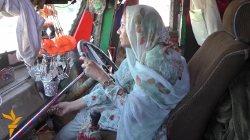 This Woman Is Breaking Gender Norms In Pakistan By Driving A Truck