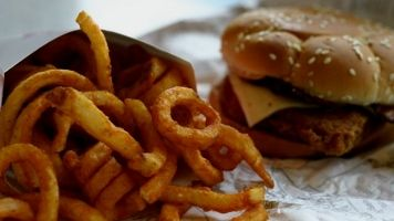 Researchers Have Found Another Reason To Avoid Fast Food