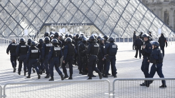 French Soldier Shoots Machete-Wielding Attacker Near The Louvre