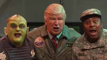 'SNL' Imagines A Less-Than-Inspiring Trump During An Alien Invasion