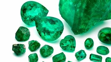 Emeralds Found On A Nearly 400-Year-Old Shipwreck Are Worth Millions