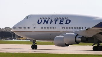 3 Girls In Leggings Told To Change Before Boarding United Flight