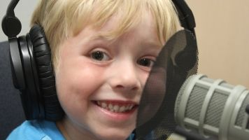 Meet The Cutest 6-Year-Old Podcaster Who Will Teach You About Science