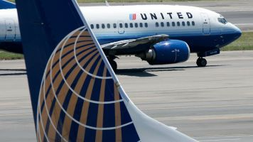 United Settles With Passenger Dragged Off Flight