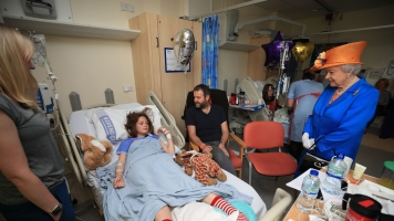 Injured Manchester Bombing Victims Get Special Visitor