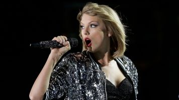 Taylor Swift Shakes Off Her Feud With Spotify