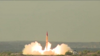 Pakistan tests Shaheen-II missile