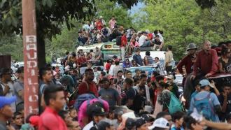Central American migrants head toward the U.S.