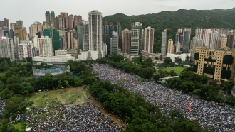 1.7 Million Protesters Marched Peacefully Through Hong Kong Sunday