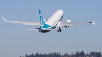 A Boeing 737 MAX 7 lifts off