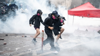 Hong Kong protesters try to flee Hong Kong Polytechnic University