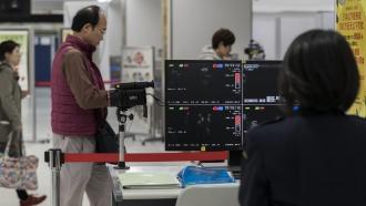 Chinese travelers being screened for coronavirus-related pneumonia