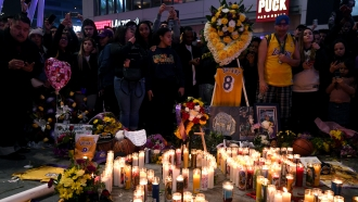Kobe Bryant fans pay tribute
