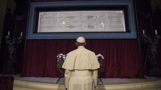 Pope Francis observes the Shroud of Turin