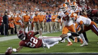Alabama football player scores touchdown against Clemson