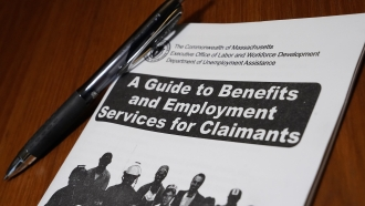 Booklet describing unemployment benefits.