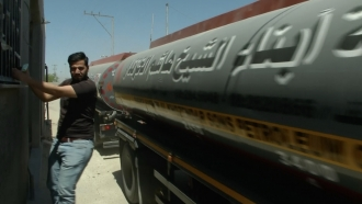 Truck enters passage from Israel to Gaza