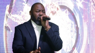 Biz Markie performs at the NFL Media Super Bowl party in 2017