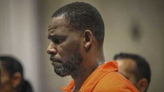 R. Kelly appears during a hearing at the Leighton Criminal Courthouse in Chicago