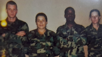 Laura Meza and other U.S. Army soldiers.