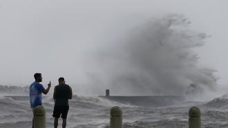 High waves on Lake Pontchartrain as Hurricane Ida nears, Sunday, Aug. 29, 2021.