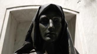 Statue of Jane Delano.