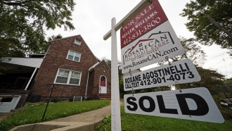 A sign indicates that this home is sold in Mount Lebanon, Pa.