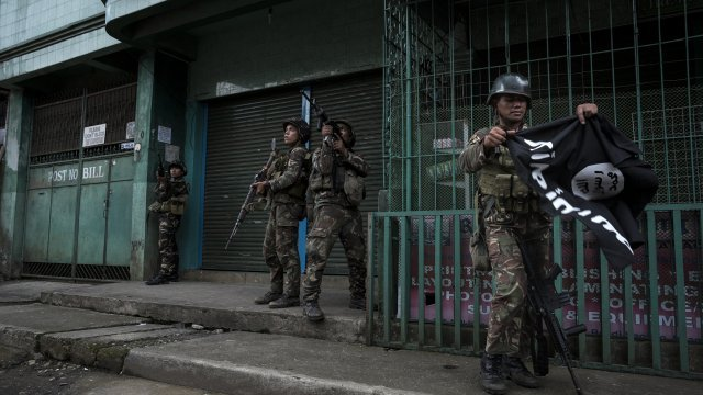Filipinos Are Struggling To Fight ISIS, So Should The US Get Involved?