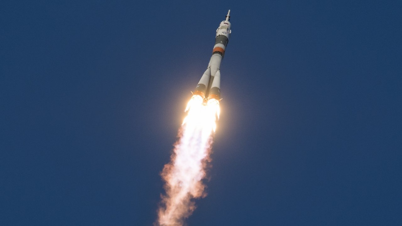 A Soyuz booster rocket launches on Dec. 3, 2018