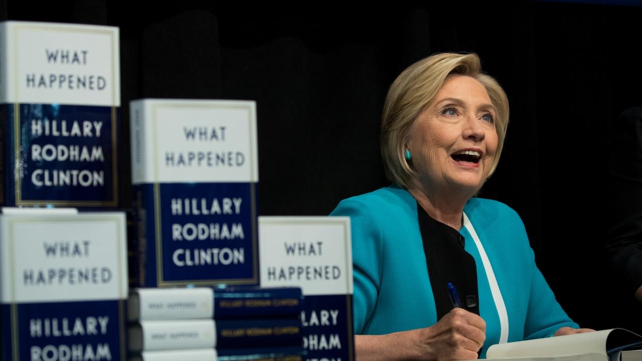 Hillary Clinton signs books