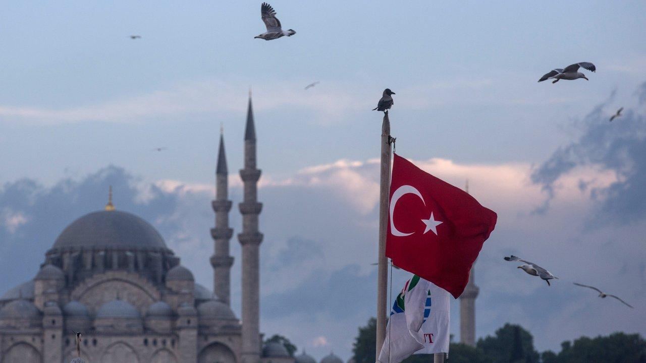 Turkey Starts Repatriating Captured ISIS Fighters