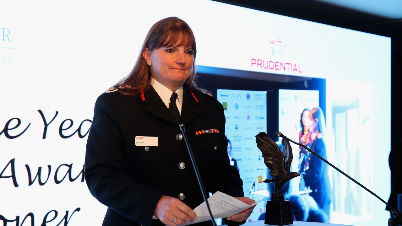 London's Fire Chief Resigns Amid Grenfell Tower Fire Criticism