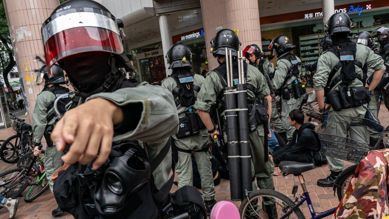 Report: Hong Kong Police Force Considering Buying Stun Guns