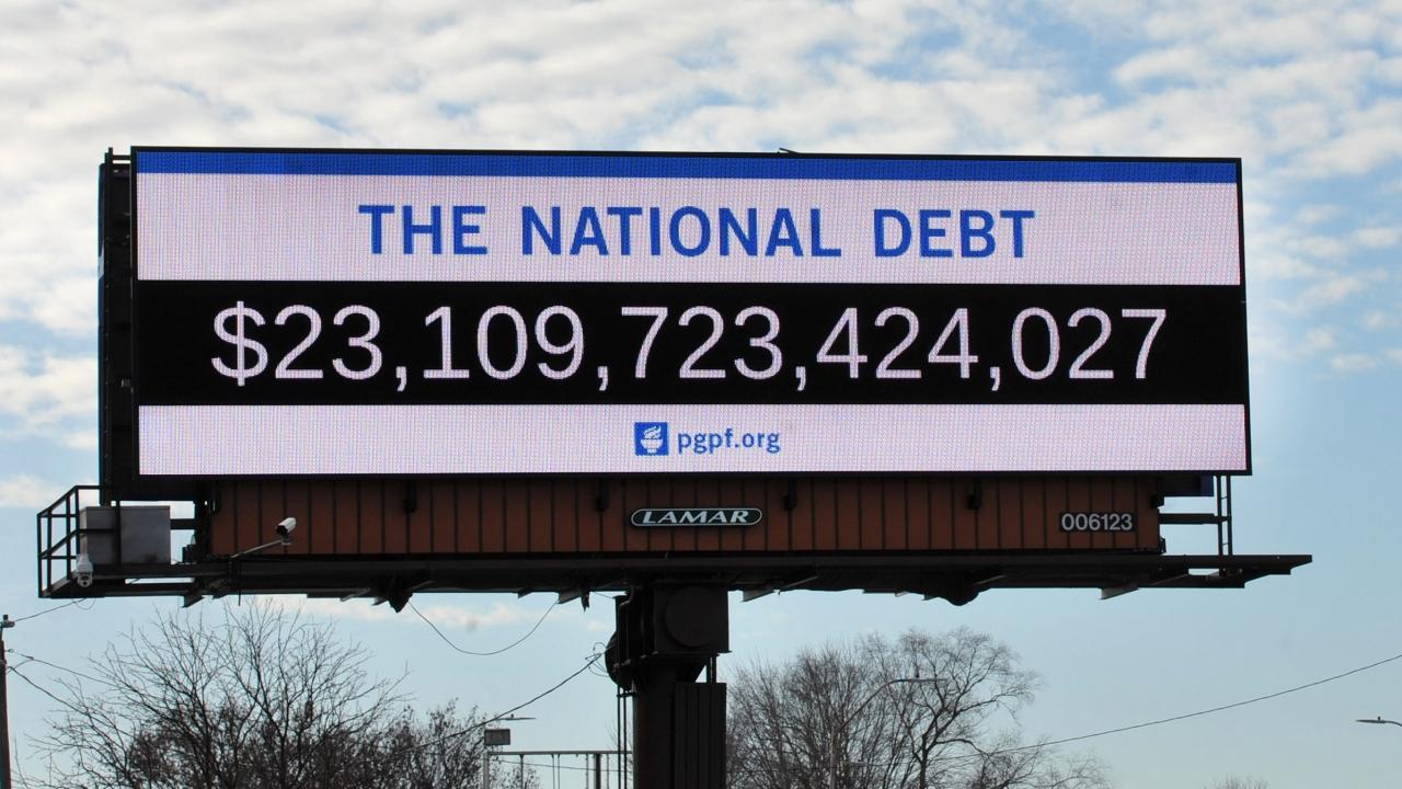 Billboard showing U.S. national debt