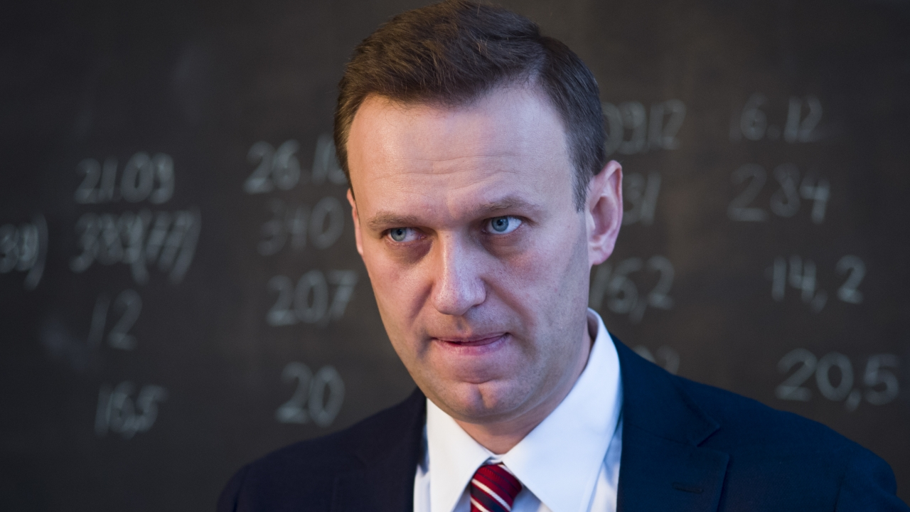 Russian Opposition Leader Alexei Navalny Hospitalized (VIDEO)