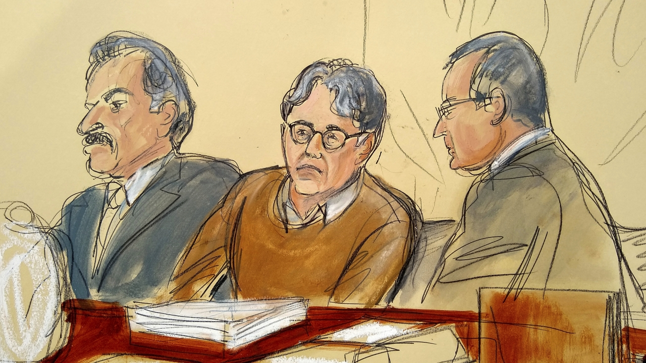 Keith Raniere, center, in May 2, 2019 courtroom drawing.