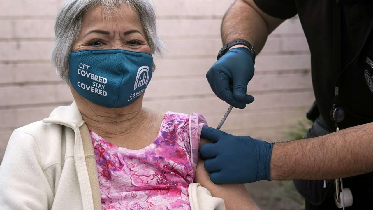 Hoa Pham gets her second dose of Pfizer's COVID-19 vaccine