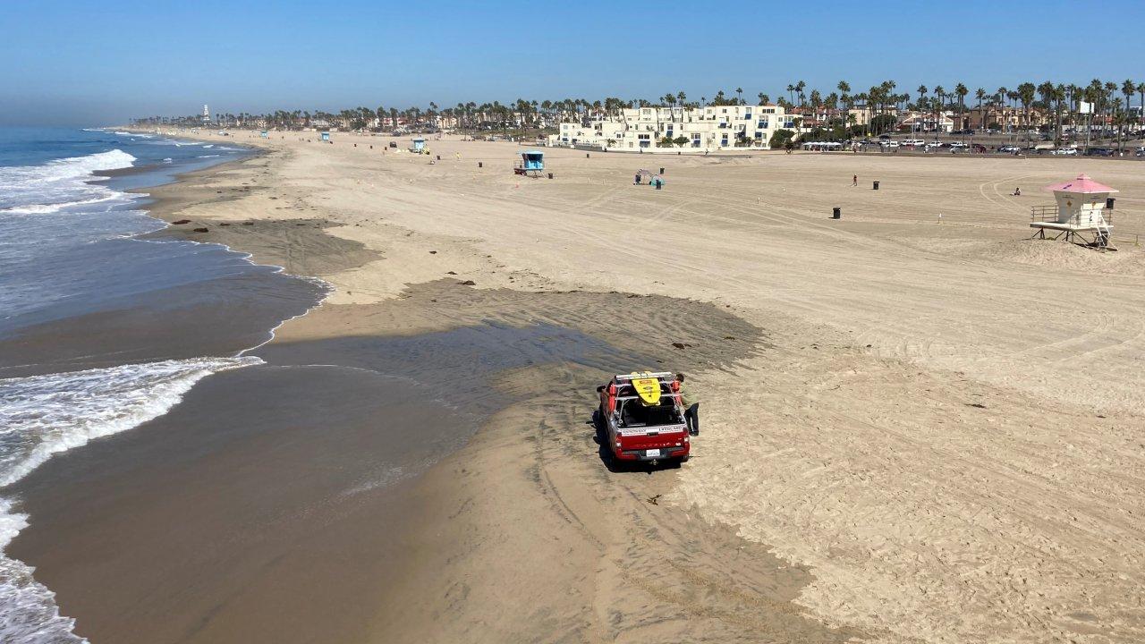 A nearly empty Huntington Beach in California